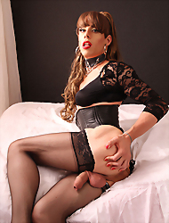 Gorgeous TGirl Zoe looks..